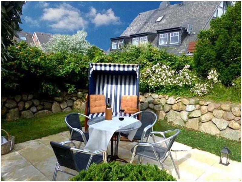 Große Ferienwohnung auf Sylt mit Terrasse für 5 Personen. Strandnah in Westerland www.sylter-deichwiesen.de